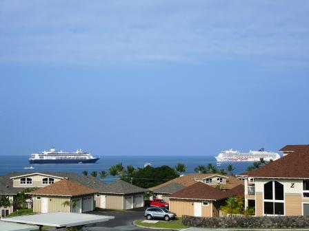 Cruise ships in Kona